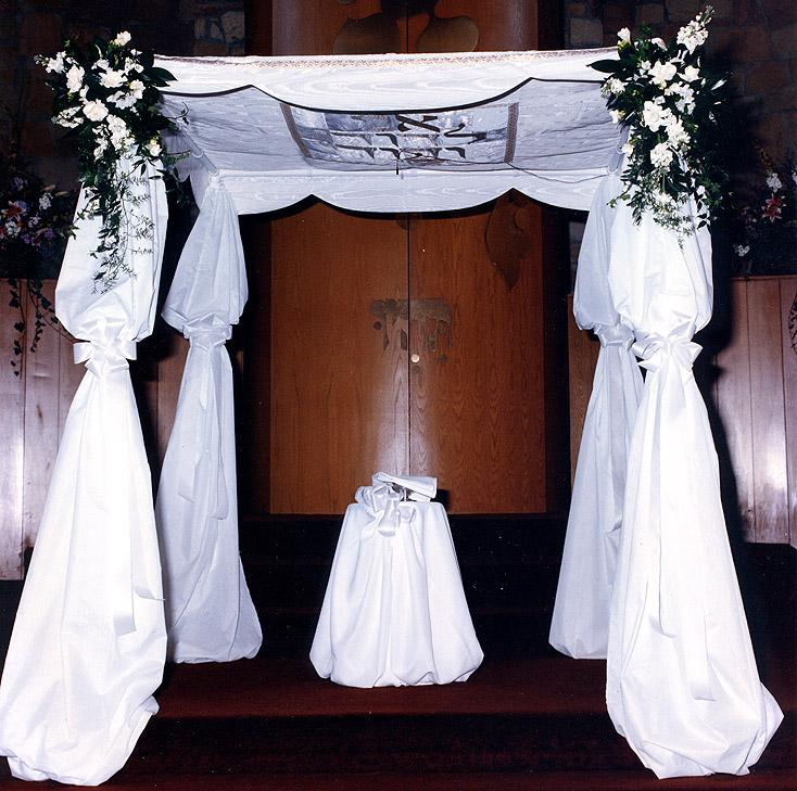 Scalloped Flap Free Standing Huppah